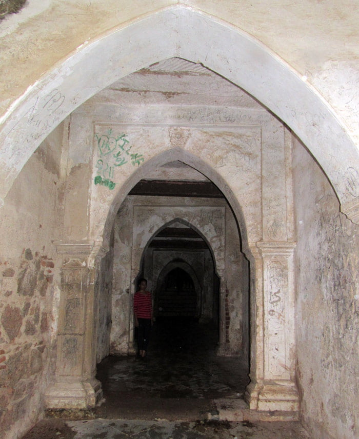 Daulat-Mahal-Arch-Idar-Gadh